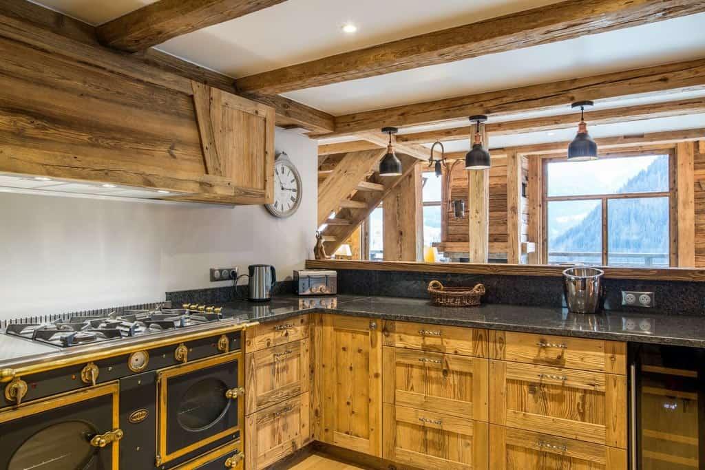 The kitchen with granite worktops