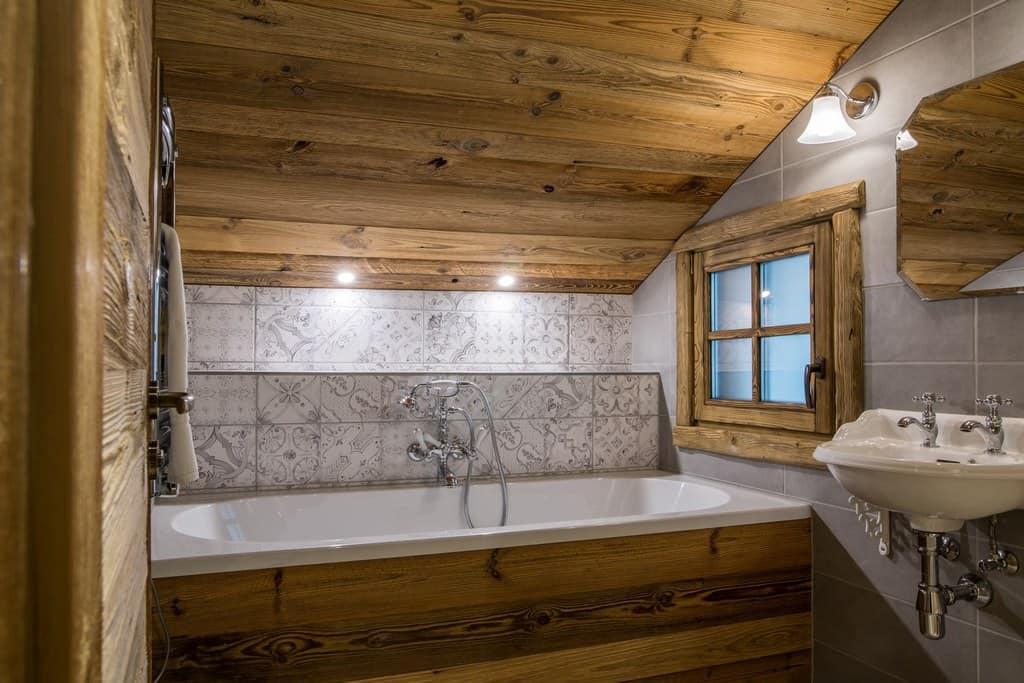 Mezzanine bathroom