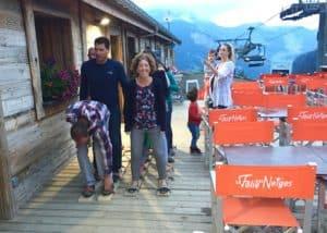 Fun games at La Folie des Neiges - team ski racing
