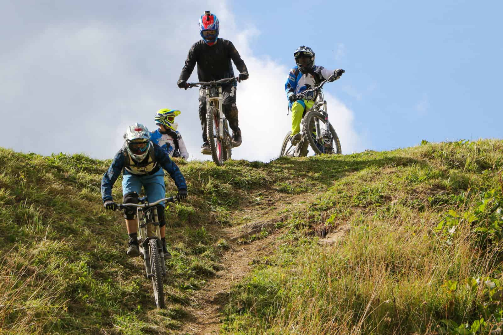 Group of mountain bikers above Chatel